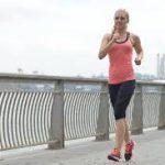 お腹と背中を近づけて体幹に力を入れ骨盤を起こす  第 650 号